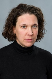 Evelyne Hübscher promoted to Associate Professor